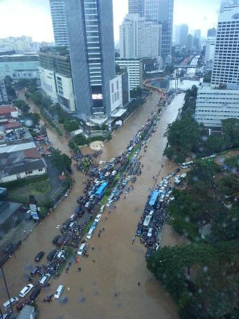 Jakarta-flood_03.jpg